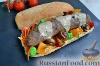 Фото к рецепту: Сэндвич в багете с колбаской из утки