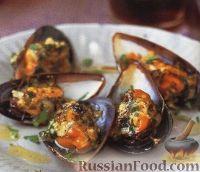 Фото к рецепту: Мидии, запеченные с чесночным соусом