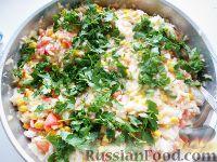 Фото к рецепту: Рис с кукурузой и помидорами