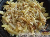 Фото приготовления рецепта: Дедушкина жареная картошка - шаг №8