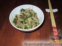 Фото к рецепту: Ростки сои по-корейски