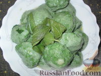 Фото к рецепту: Ньокки из шпината и сыра рикотта (творога)