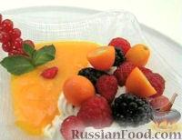 Фото к рецепту: Фруктово-ягодное ассорти с сыром