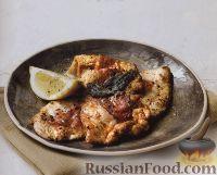 Фото к рецепту: Индюшиные отбивные с шалфеем и ветчиной