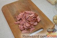 Фото приготовления рецепта: Жареный лаваш с колбасой и сыром - шаг №2