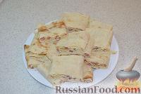 Фото приготовления рецепта: Жареный лаваш с колбасой и сыром - шаг №6