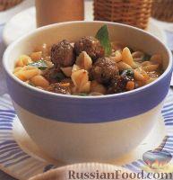 Фото к рецепту: Суп с тефтелями и макаронами