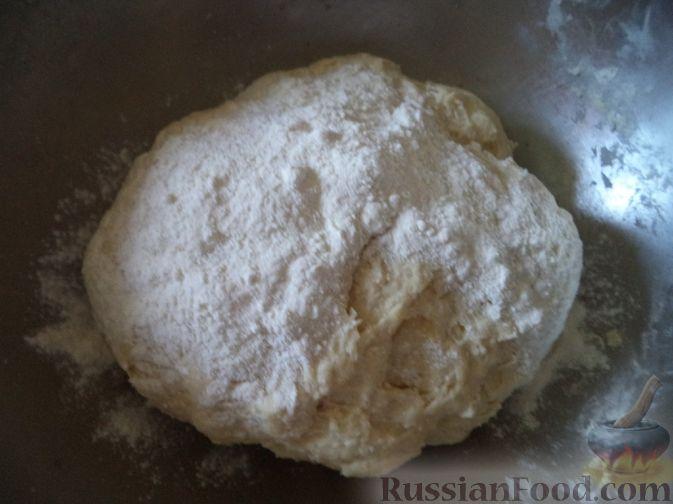 Фото приготовления рецепта: Вареники с вишней или черешней - шаг №7