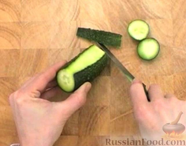 Фото приготовления рецепта: Куриные голени, запечённые с картофелем и цветной капустой (в рукаве) - шаг №1