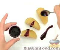 Фото к рецепту: Груша с шелковицей и мятой