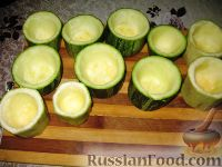 Фото приготовления рецепта: Фаршированные кабачки с укропным соусом - шаг №2