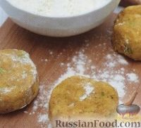 Фото приготовления рецепта: Картофельные котлеты с тунцом - шаг №3