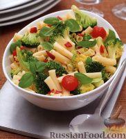 Фото к рецепту: Макароны с помидорами и брокколи