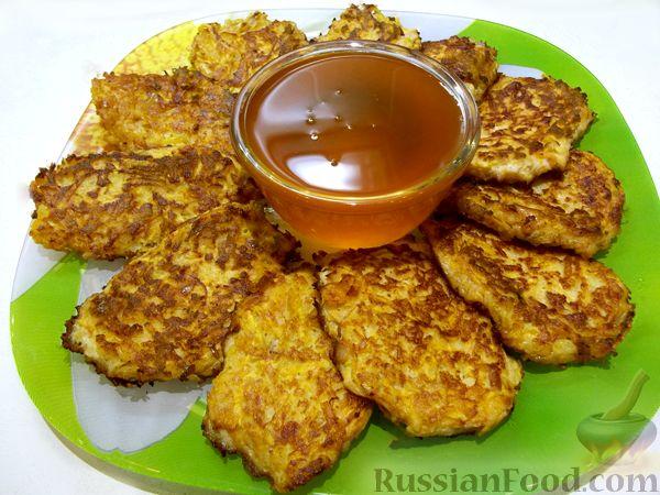 Фото приготовления рецепта: Сырный суп с шампиньонами и консервированной кукурузой - шаг №1