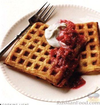 Рецепт Вафли с фруктовым соте и сырным кремом
