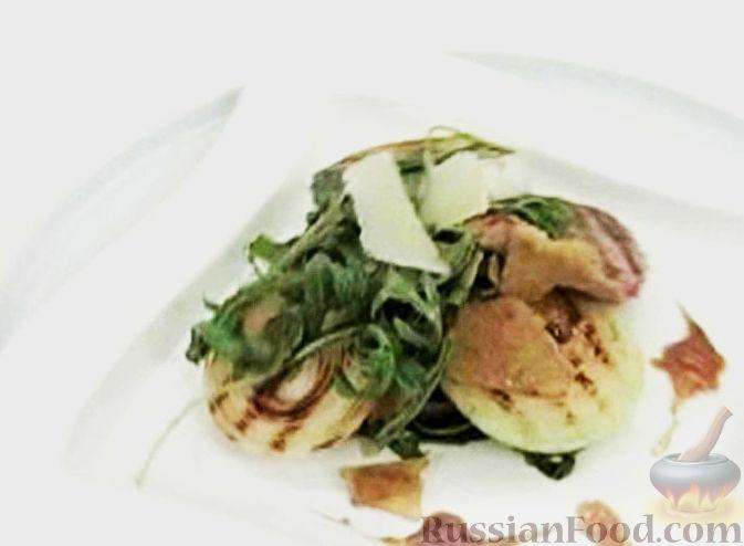 Рецепт Филе телятины с пармезаном, рукколой и луком