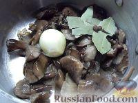 Фото приготовления рецепта: Суп из замороженных грибов - шаг №5