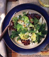 Фото к рецепту: Зеленый салат с грушей и сыром