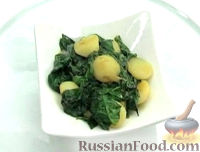 Фото к рецепту: Тушеный картофель со шпинатом