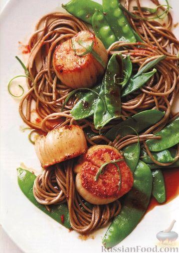 Рецепт Морские гребешки с зеленым горошком и лапшой