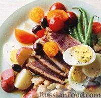 Фото к рецепту: Жареный тунец с картофелем и стручковой фасолью