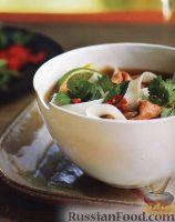 Фото к рецепту: Суп с говядиной и рисовой лапшой