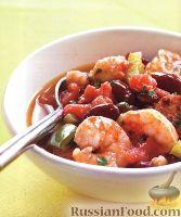Фото к рецепту: Рагу из фасоли, с креветками и колбасками