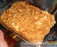 Фото к рецепту: Наполеон (торт с кремом из сгущенки)