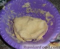 Фото приготовления рецепта: Наполеон (торт с кремом из сгущенки) - шаг №5