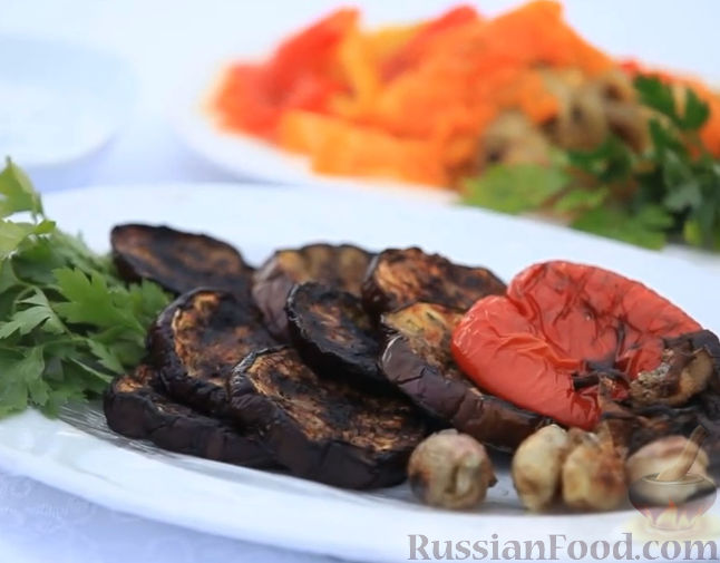 Рецепт Овощи на мангале с соусом из йогурта