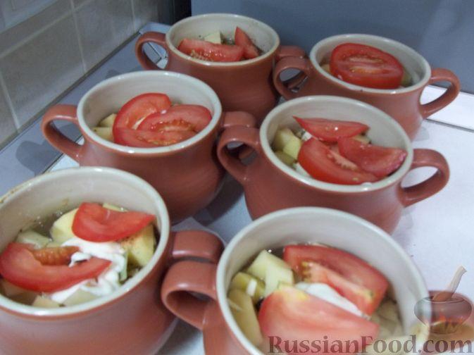 Фото приготовления рецепта: Свинина в горшочках - шаг №6