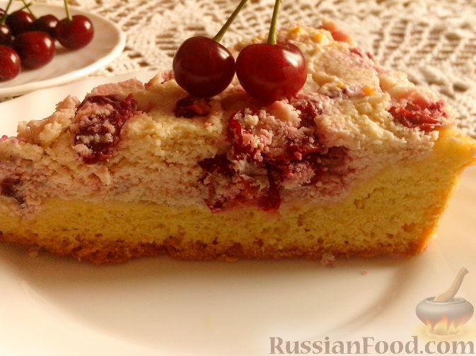 Рецепт Пирог с вишней и творожным кремом
