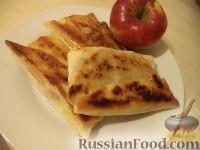 """Фото к рецепту: Яблочный  """"фальшивый"""" штрудель"""