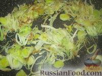 Фото приготовления рецепта: Лазанья с тыквой, пореем и колбасками - шаг №1