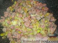 Фото приготовления рецепта: Лазанья с тыквой, пореем и колбасками - шаг №2