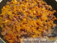 Фото приготовления рецепта: Лазанья с тыквой, пореем и колбасками - шаг №3