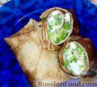 Фото к рецепту: Румяные блинчики c яйцом и луком