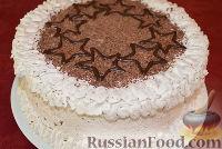 Фото к рецепту: Бисквитный торт со сливочным кремом и бананами