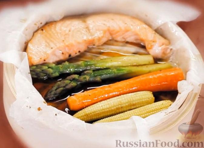 Рецепт Лосось с овощами в соусе терияки (на пару)