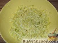 Фото приготовления рецепта: Оладьи из кабачков простые - шаг №2