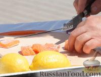 Фото приготовления рецепта: Мини-шашлыки из лосося, курицы и телятины в соусе терияки - шаг №2