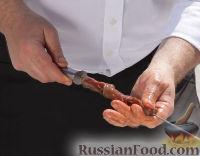 Фото приготовления рецепта: Мини-шашлыки из лосося, курицы и телятины в соусе терияки - шаг №4