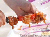 Фото приготовления рецепта: Мини-шашлыки из лосося, курицы и телятины в соусе терияки - шаг №6