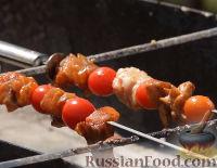 Фото приготовления рецепта: Мини-шашлыки из лосося, курицы и телятины в соусе терияки - шаг №10