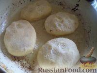 Фото приготовления рецепта: Картофельники с куриным мясом - шаг №12