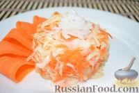 Фото к рецепту: Маринованная капуста за сутки
