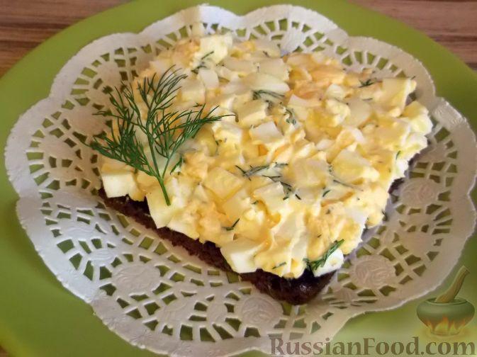 Рецепт Ржаные гренки с чесноком и яйцом