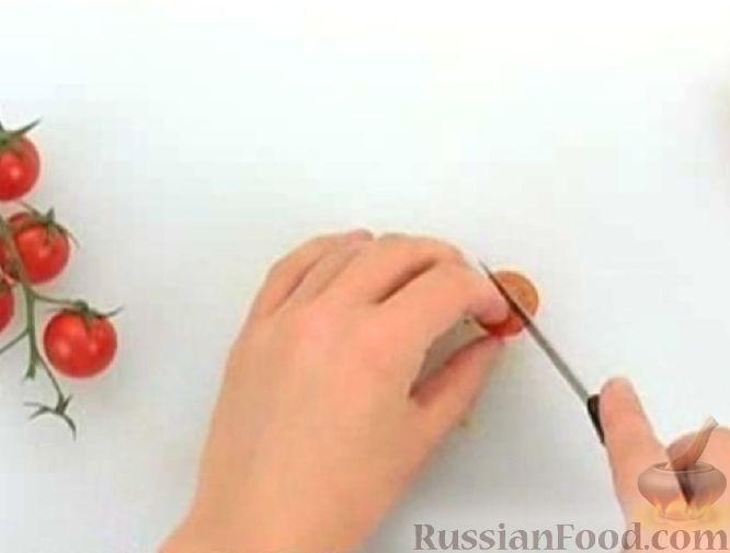 Фото приготовления рецепта: Тыквенный пирог с айвой, яблоком и пряностями - шаг №4