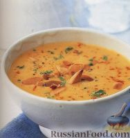 Фото к рецепту: Луково-миндальный суп-пюре