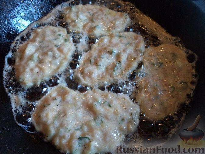 Фото приготовления рецепта: Рис с мясным фаршем и помидорами - шаг №11